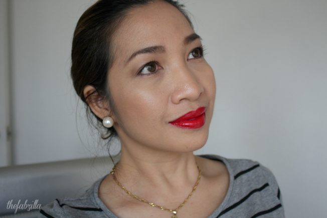 how to highlight and contour, why highlight face, laura geller, baked highlighter, review, swatch, ultra 21 days beauty