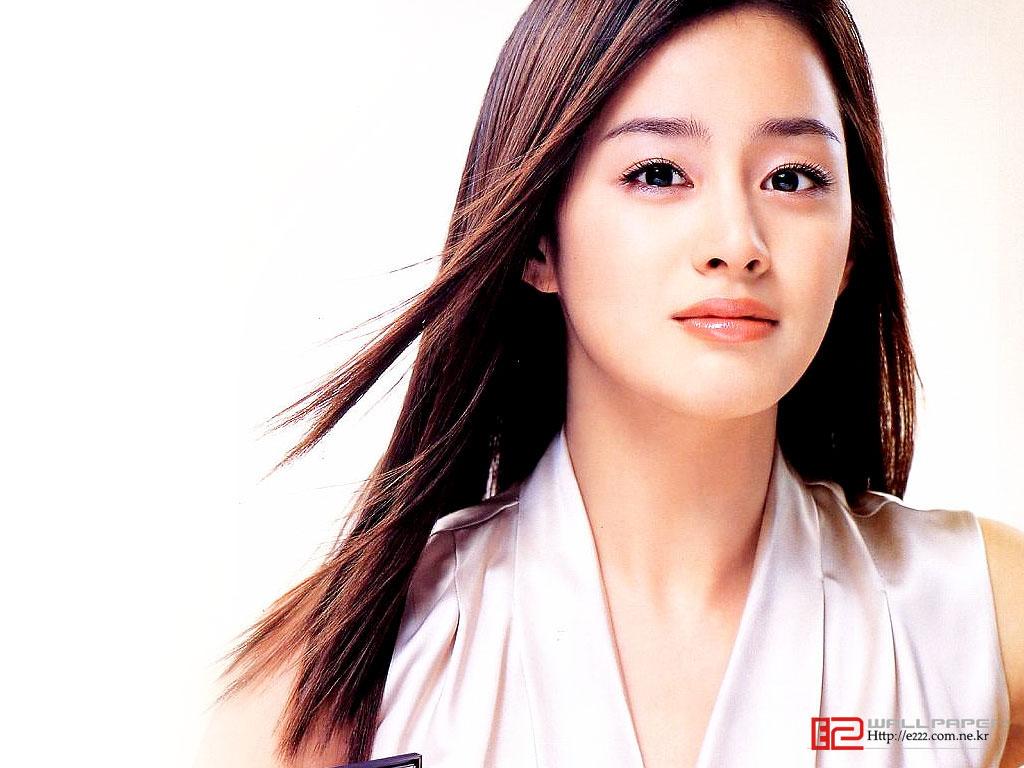 http://1.bp.blogspot.com/-0iO9cEqc9W4/TuREaX3F9oI/AAAAAAAAAZ4/F5akWDsKjNM/s1600/Kim+Tae+Hee+wallpaper4.jpg