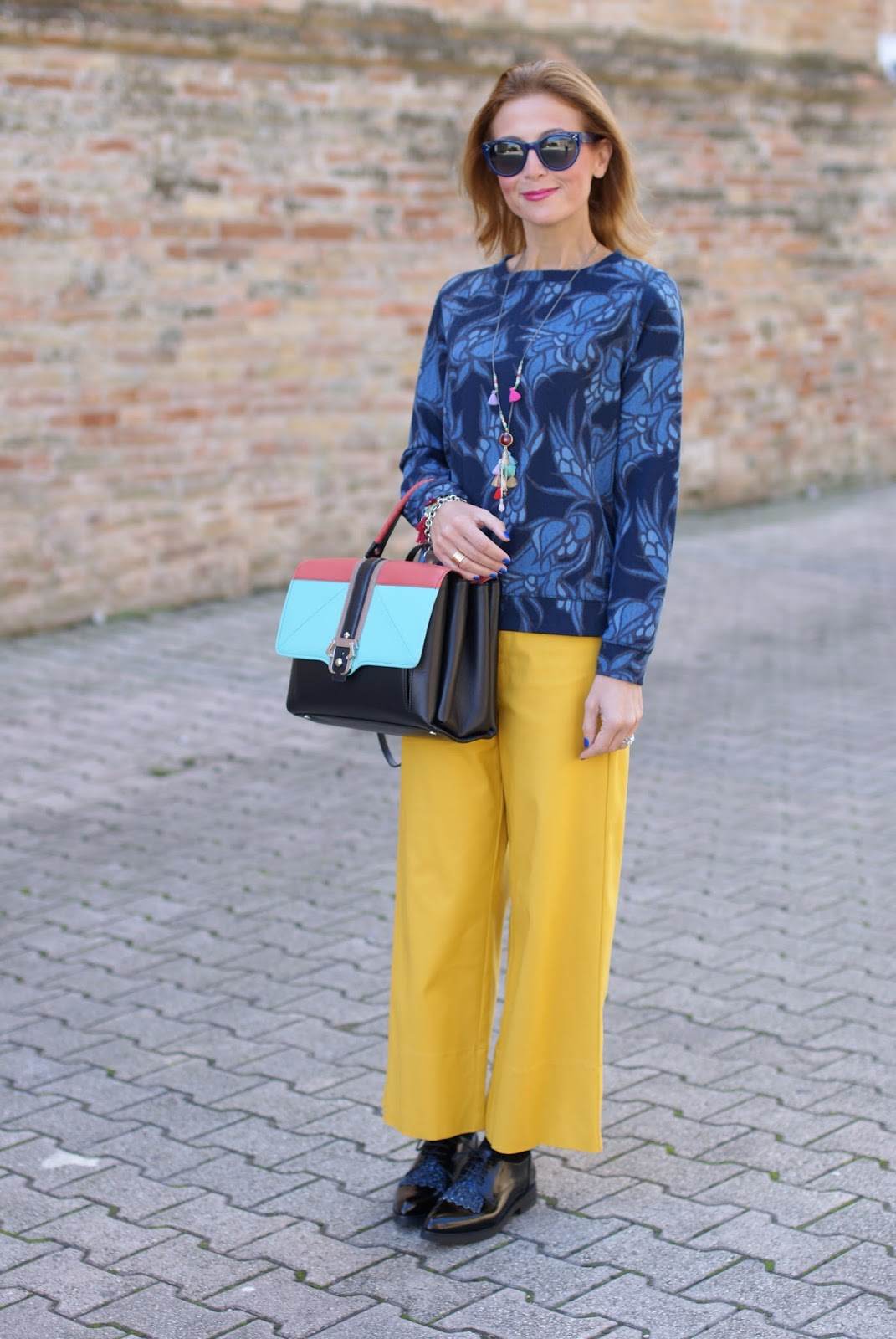 Paula Cademartori Faye handbag, yellow culottes pants for fall and Hype Glass on Fashion and Cookies fashion blog