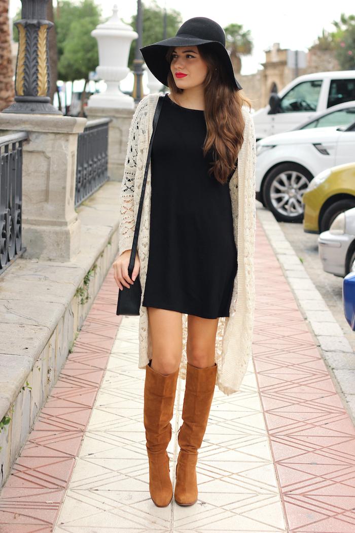 brilliant outfit vestido negro botas largas y