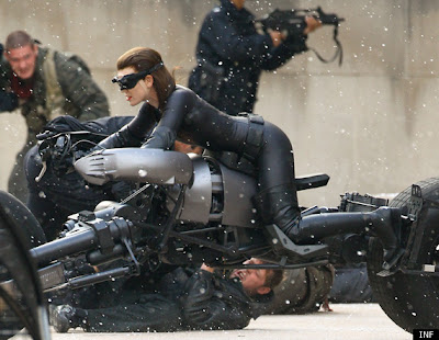 The Dark Knight Rises First Look: Anne Hathaway as Catwoman