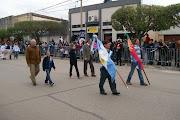 . y especial, gracias a la gente por el respeto que nos brindan cada vez . desfile de mayo