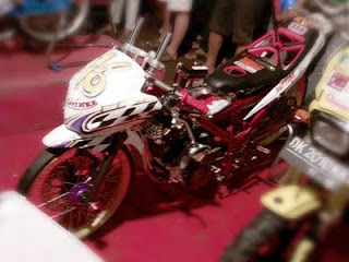 Suzuki Satria FU 150 Drag Race Modifikasi