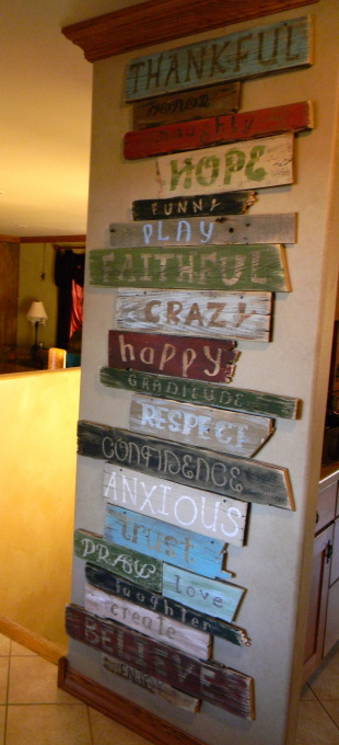 Kara 39 s creative place ugh i need help pallet wall art for I need art for my walls