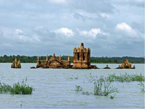 Drowned Church of Holy Rosary in India
