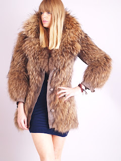 Vintage 1970's brown coyote fur coat with large shaggy collar