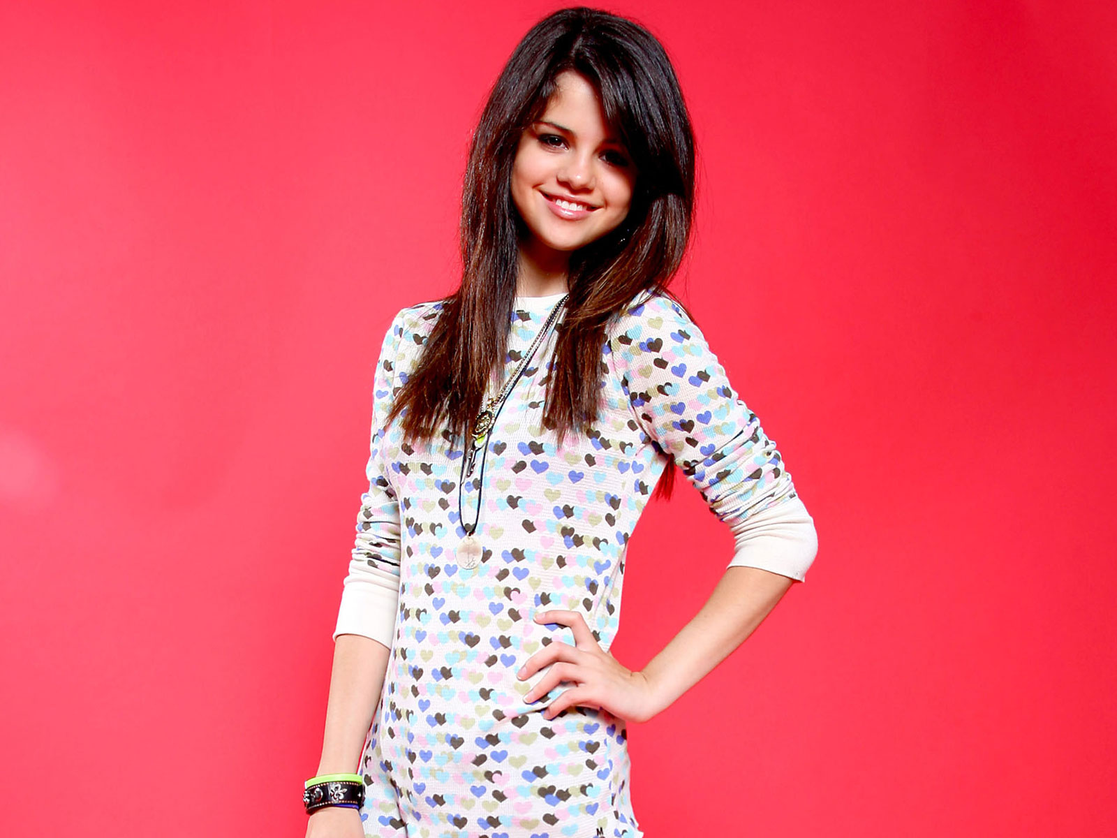 http://1.bp.blogspot.com/-0jSGo3j1n2s/Tfs82eBhh6I/AAAAAAAAChM/9BJ1XiCLM7c/s1600/The-best-top-desktop-selena-gomez-wallpapers-selena-gomez-wallpaper-hd-3.jpg