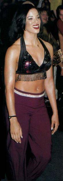 Carmel Macklin - Nitro Girl Chameleon