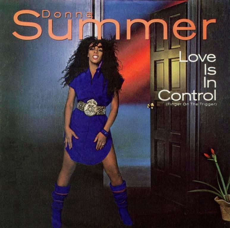 Aula particular de inglês com música | Love is in Control