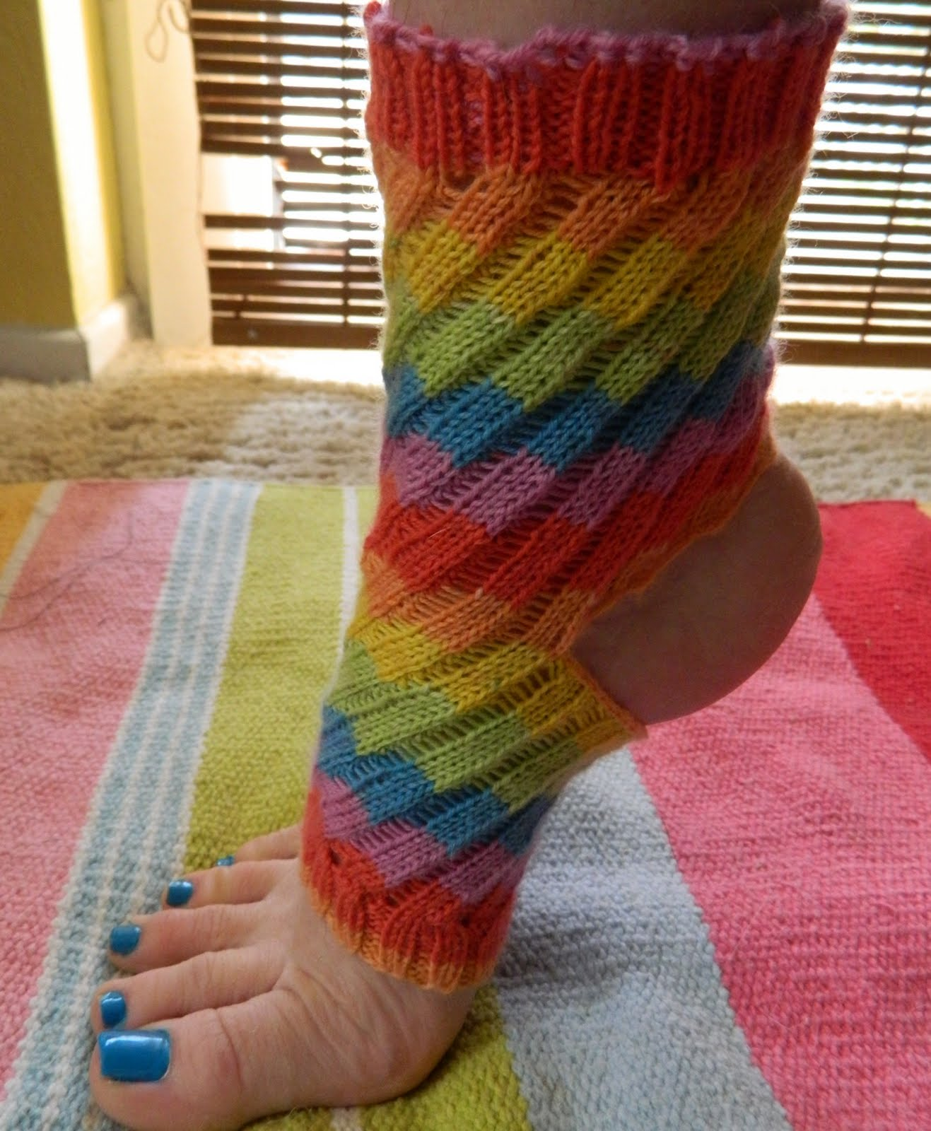 All Twisted Up Yoga Socks *with link to pattern!* - KNITTING