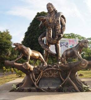 la estatua de KAPAX