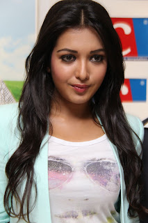 Actress Catherine Tresa Pictures in Skinny Jeans at BIG C Mobile Store Launch 0022.jpg