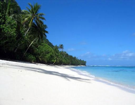 Tropischer weisser Sandstrand