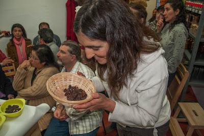 oliendo Cacao