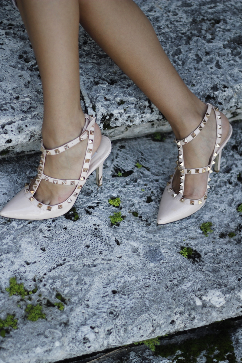 rose nude valentino shoes