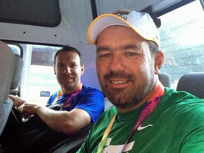 Roberto Schmits (direita) e Jaison Santin, juntamente com todos os atletas da equipe brasileira do Tiro ao Prato Olímpico, já estão em Santiago - Foto: Roberto Schmits/ Facebook
