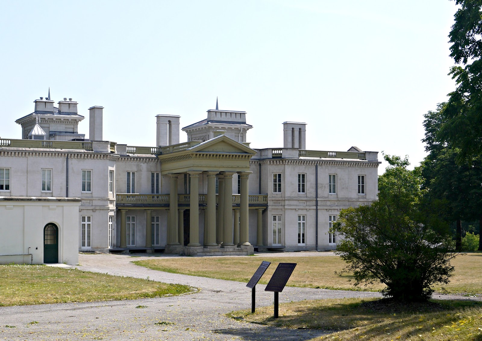 Sense and Simplicity: Dundurn Castle