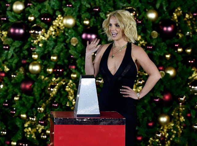 Actress, Singer, @ Britney Spears - Christmas tree-lighting ceremony at The LINQ Promenade in Las Vegas