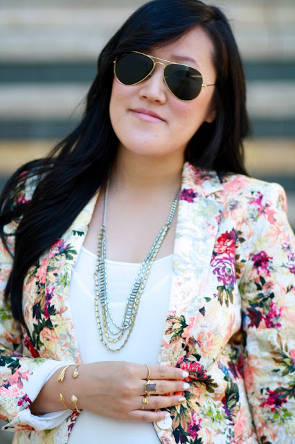 zara blazer, floral blazer, stella and dot jewelry, ootd, blogger, coach purse, zara heels, red heels