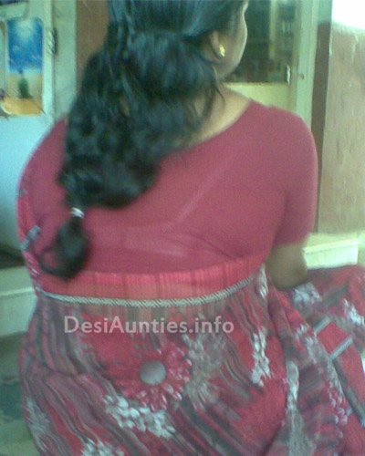 Hot Mallu Aunty Bra shade Pictures | Hot Aunties Photo Gallery