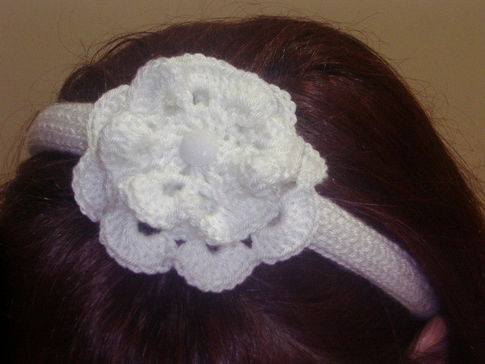 Aquí os enseño los diferentes tipos de flores que he tejido y en los