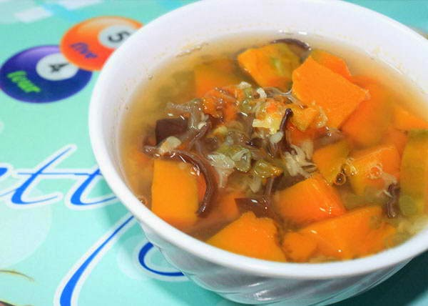 Mung Bean with Pumpkin Sweet Soup (Chè Đậu Xanh Bí Đỏ)