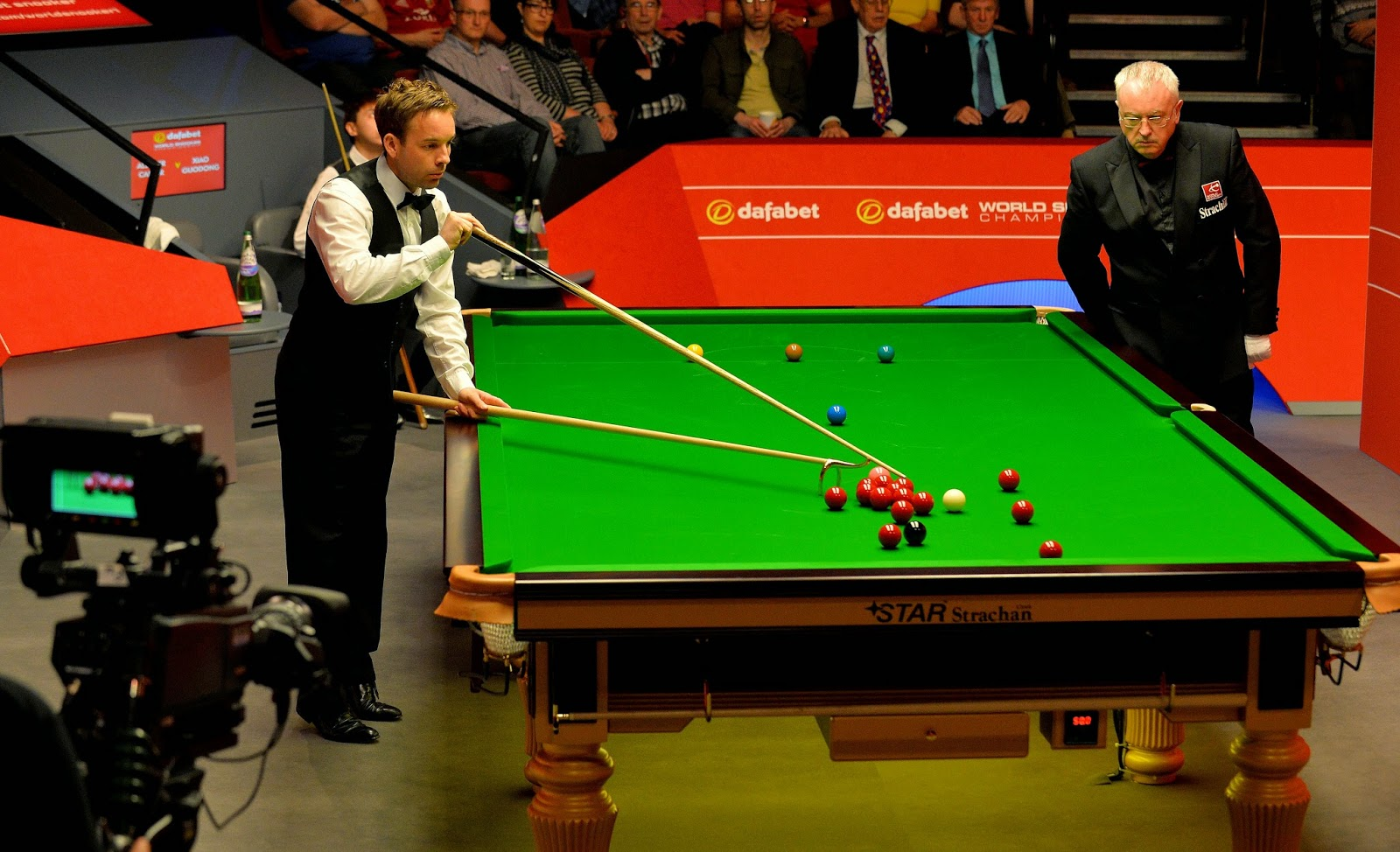 Allister Carter, Allister Carter  vs Xiao Guodong, Crucible, England, Sheffield, Snooker, Snooker Championship, Snooker Players, Snooker Table, Sports, World Snooker Championship, Xiao Guodong,