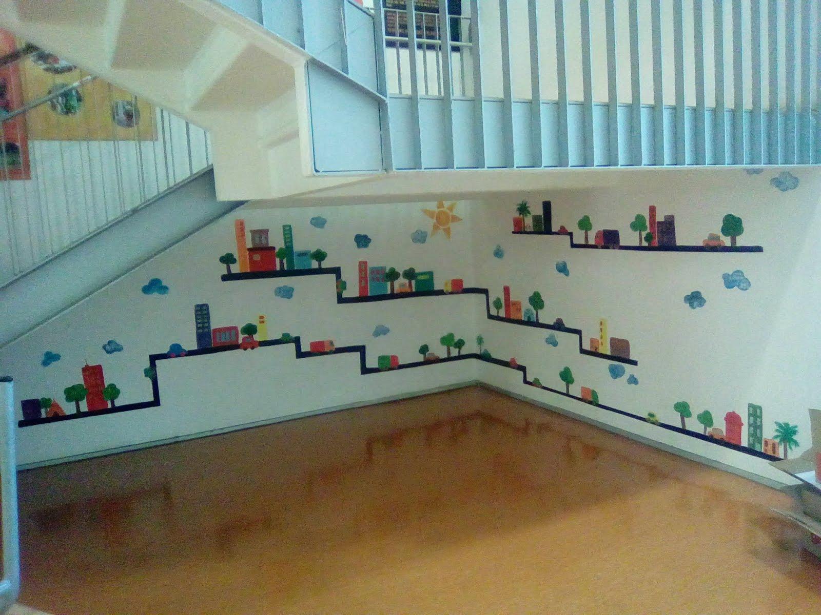 Pintures murals i de paviment a espais interiors i exteriors