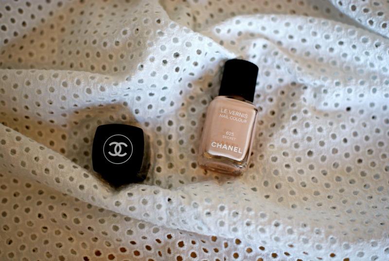 Chanel le Vernis/ Secret 625.