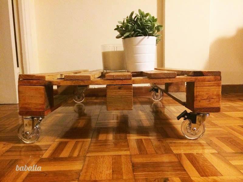 Mi nueva mesa de centro de palets europeos deco quiero for Mesa palets ruedas