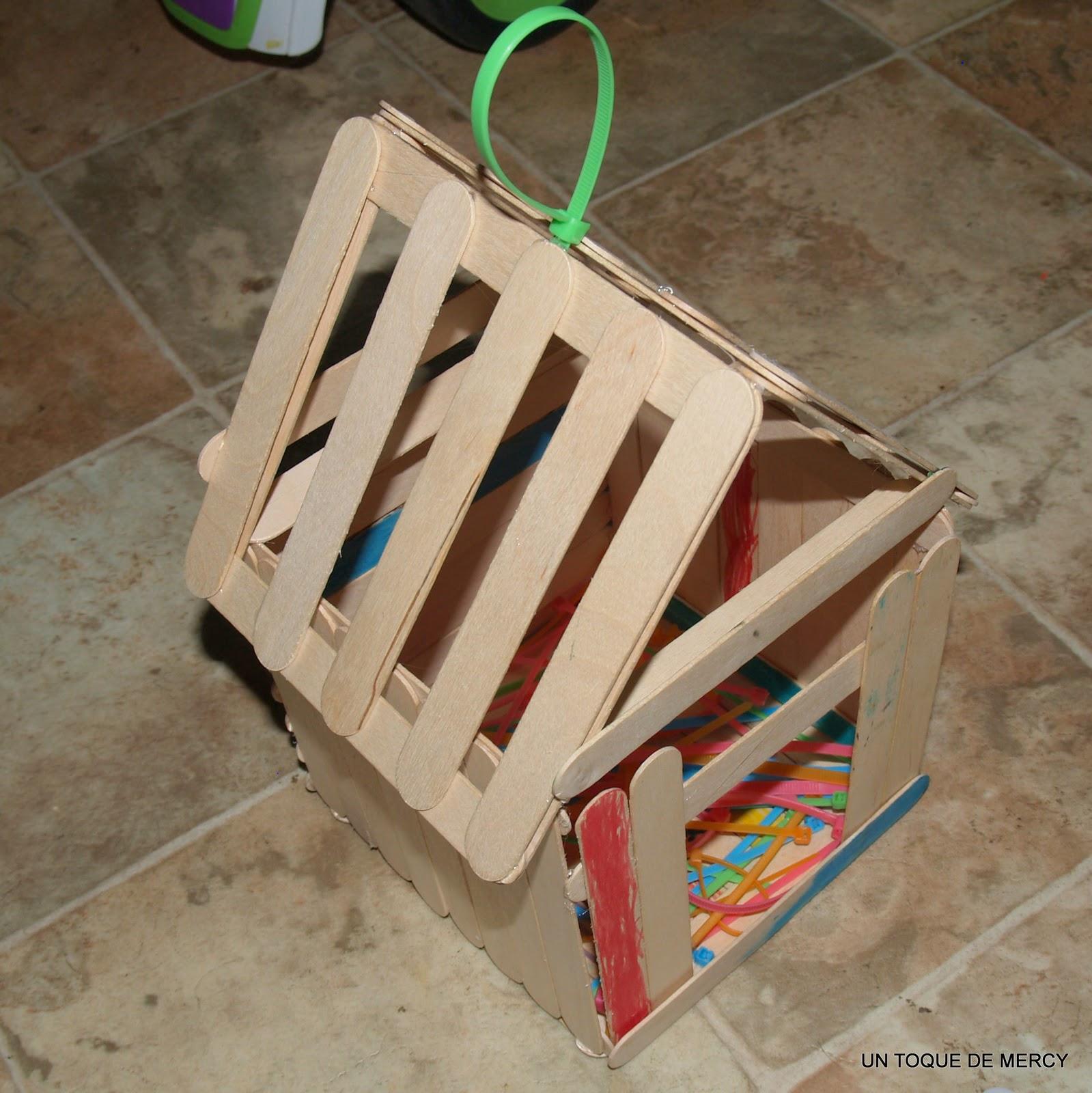 Un toque de mercy casita de paletas de madera for Paletas madera