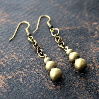 Vintage Brass Chandelier Earrings $40 Gwen Delicious vintage jewelry. $25 giveaway ends 8/6! #clevernest #antique #necklace #findings #accessories #free