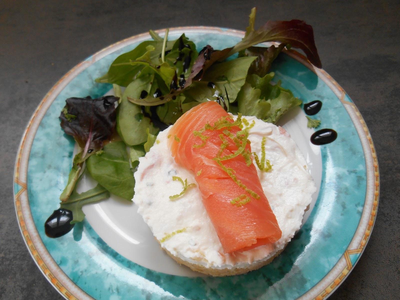 A la table des dieux recette du cheesecake au saumon fum for Entree de noel legere