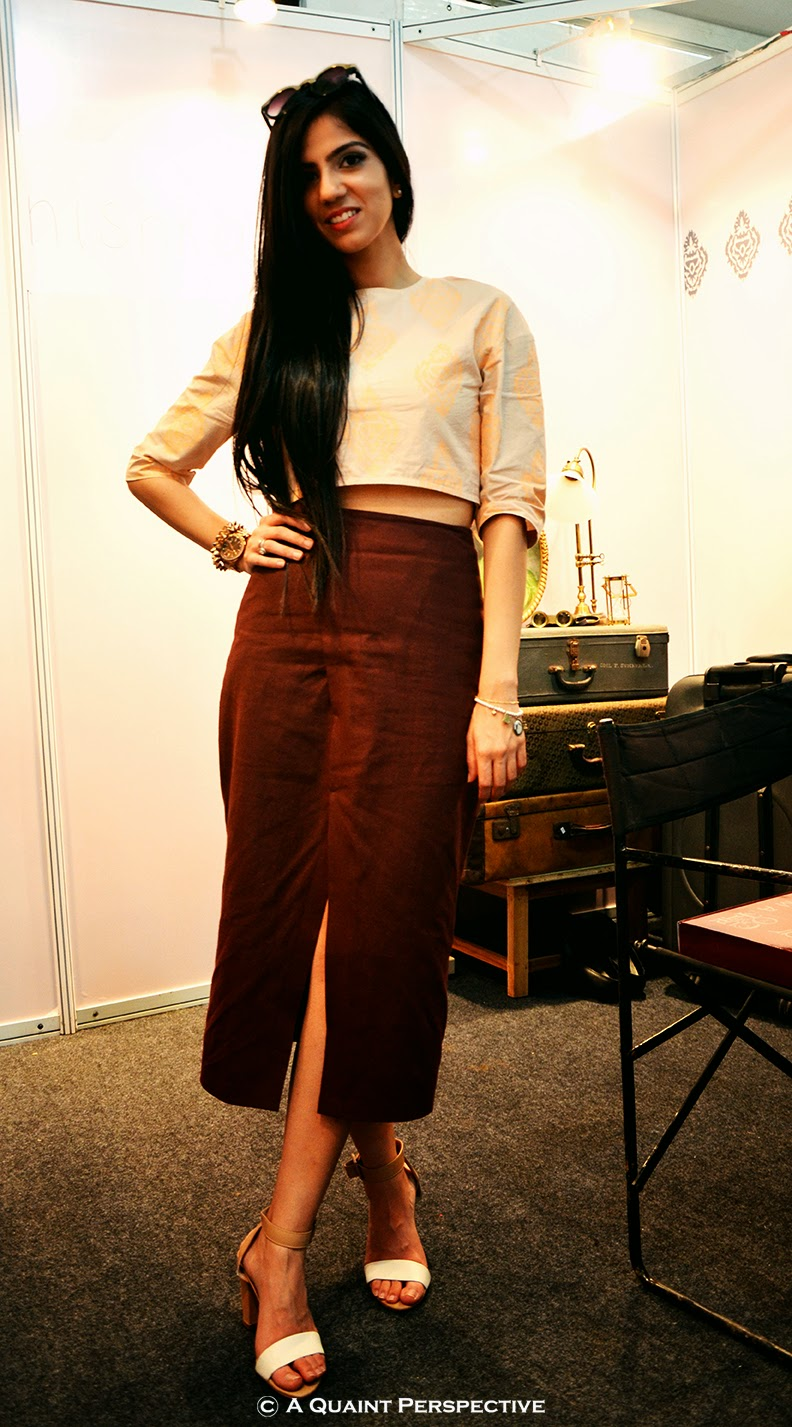 http://aquaintperspective.blogspot.in/, Nishka Lulla How to Wear a crop top