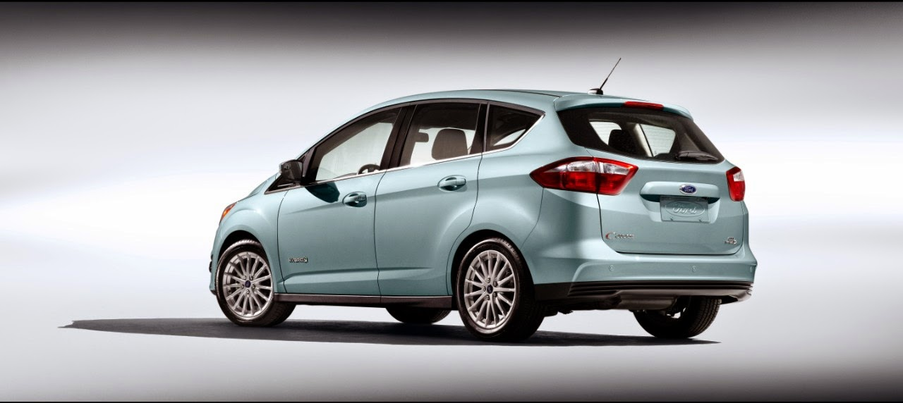 Rear 3/4 view of 2014 Ford C-Max Hybrid
