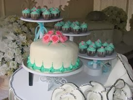 steambuttercream cake+ cupcake