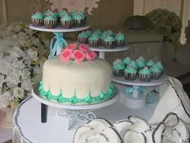 steambuttercream cake+ cupcake