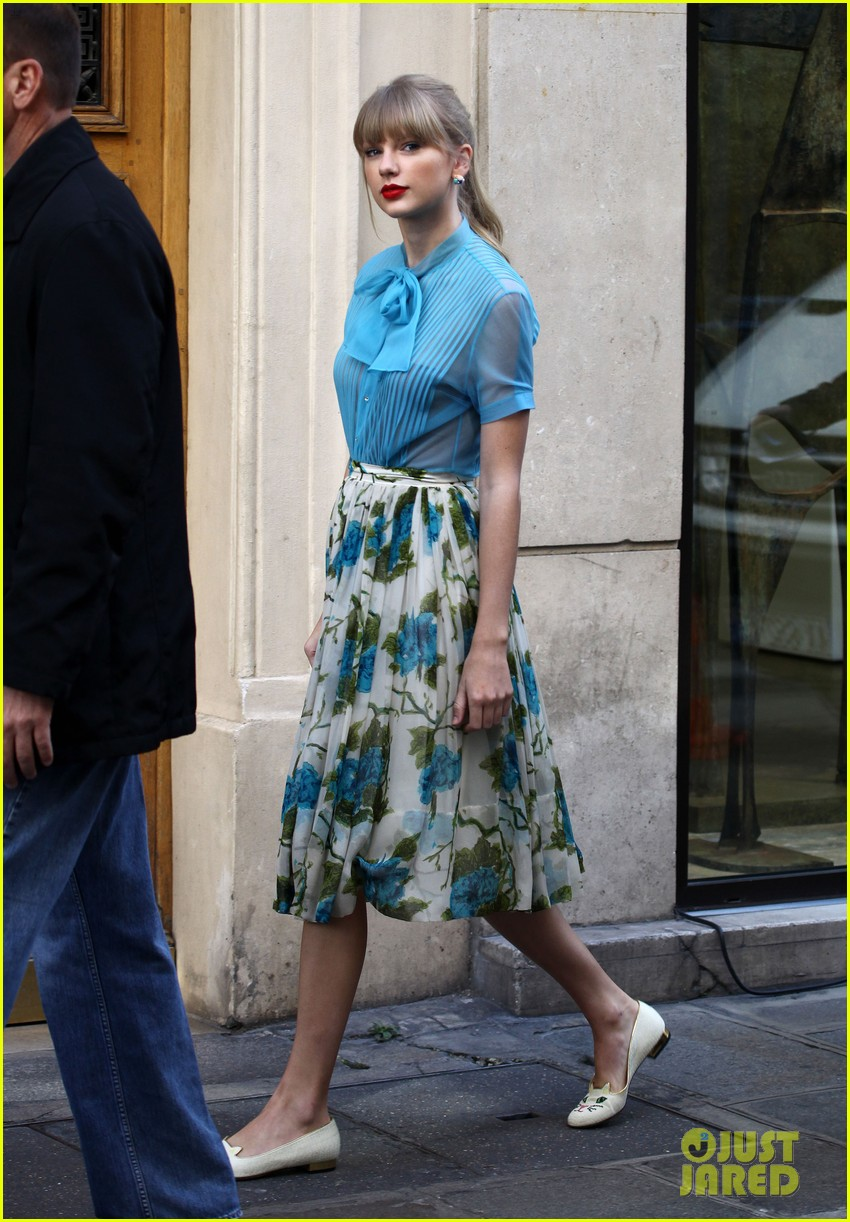 Inspiration: Fashion Taylor Swift Begin Again recommend dress for summer in 2019