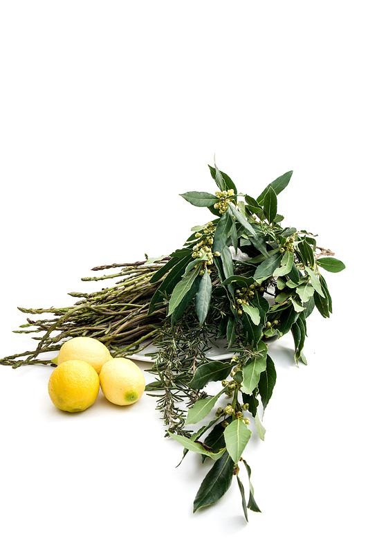 Šparglji, lovor, rožmarin in limone