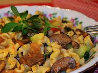 Macarrão com Cogumelos e Abobrinha (vegana)