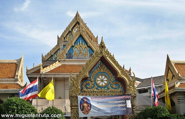 Wat-Traimit-2008
