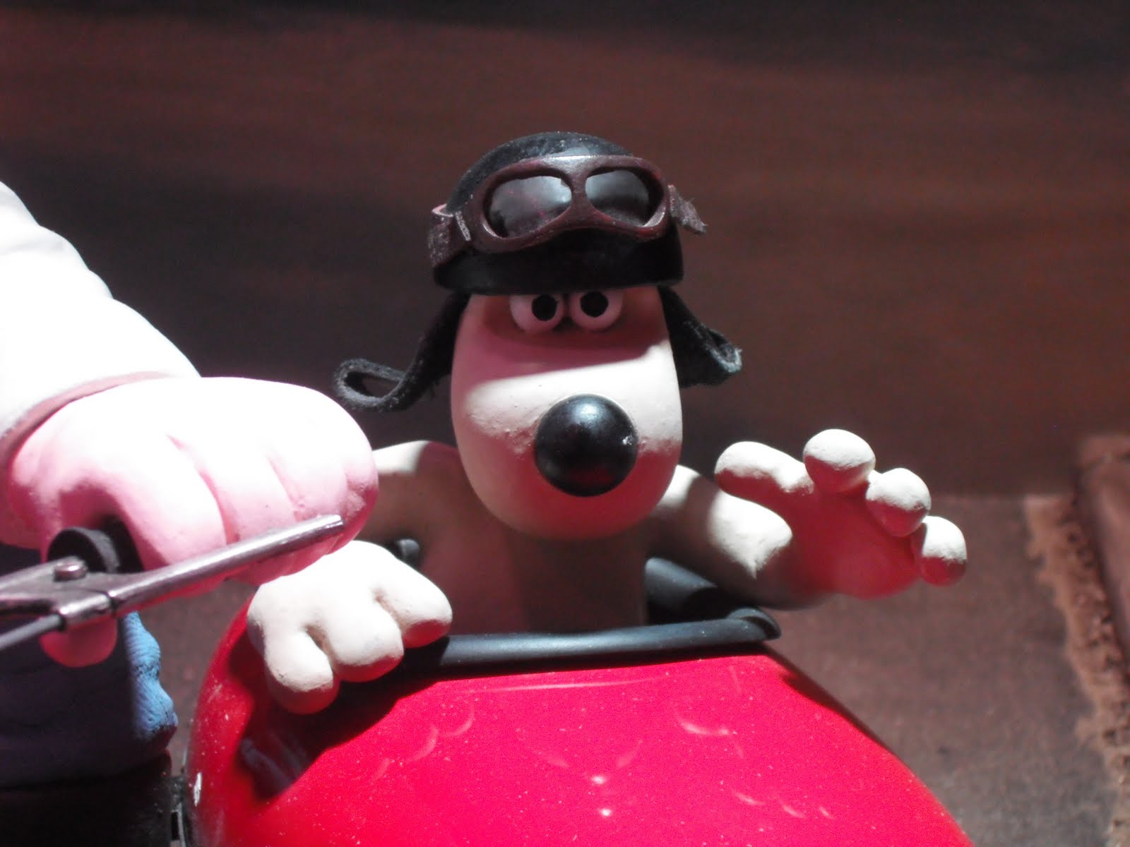 Quizz Casques II ... Gromit+sidecar
