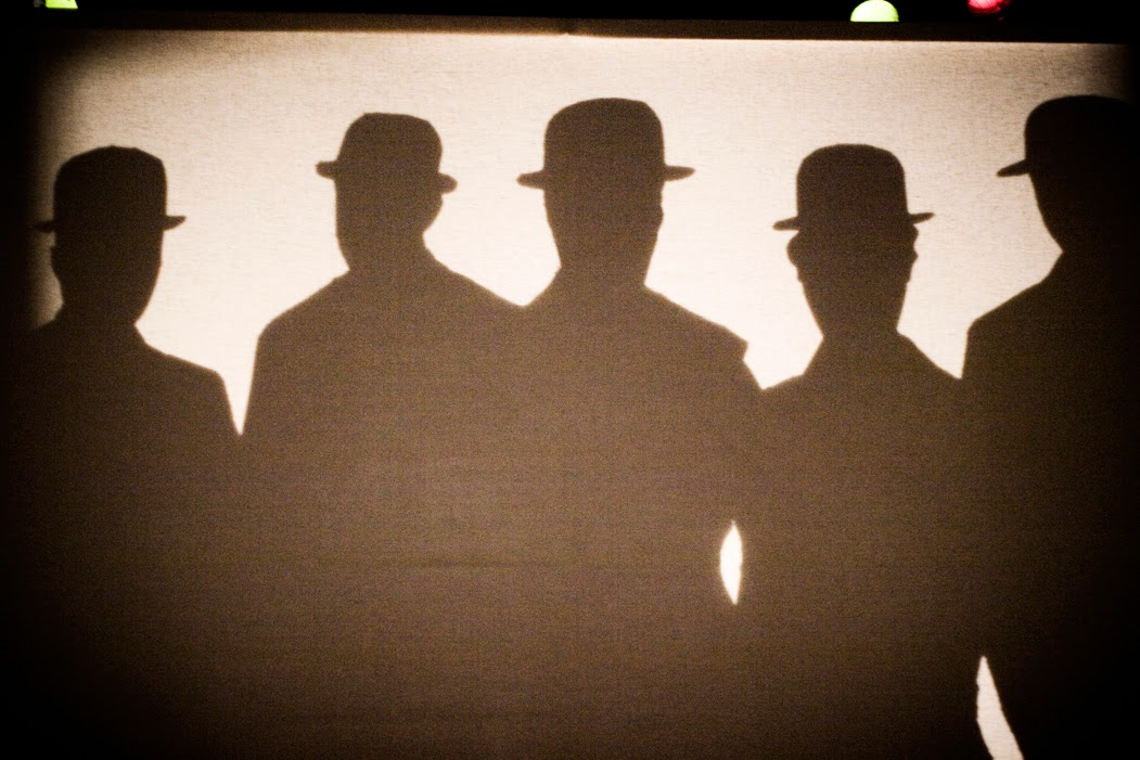 Los hombres grises (Miraclaun Teatro | http://miraclaun.wordpress.com)