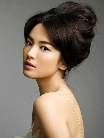 Song Hye Kyo Ditawari Main Film 'Full House of Happiness'