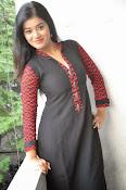 Yamini bhaskar glam pics-thumbnail-6