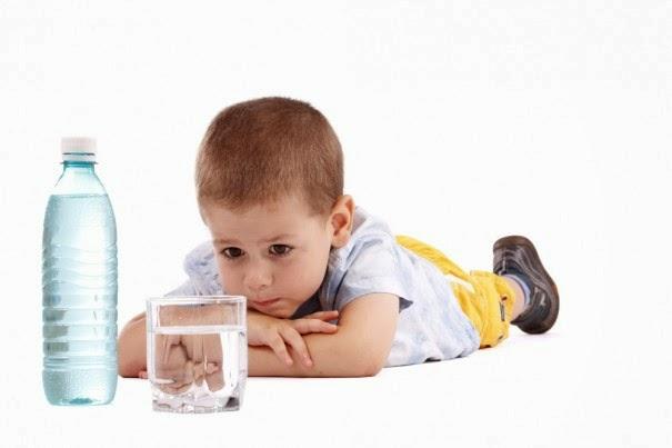 WAter 7 Manfaat Super Minum Air Putih di pagi Hari