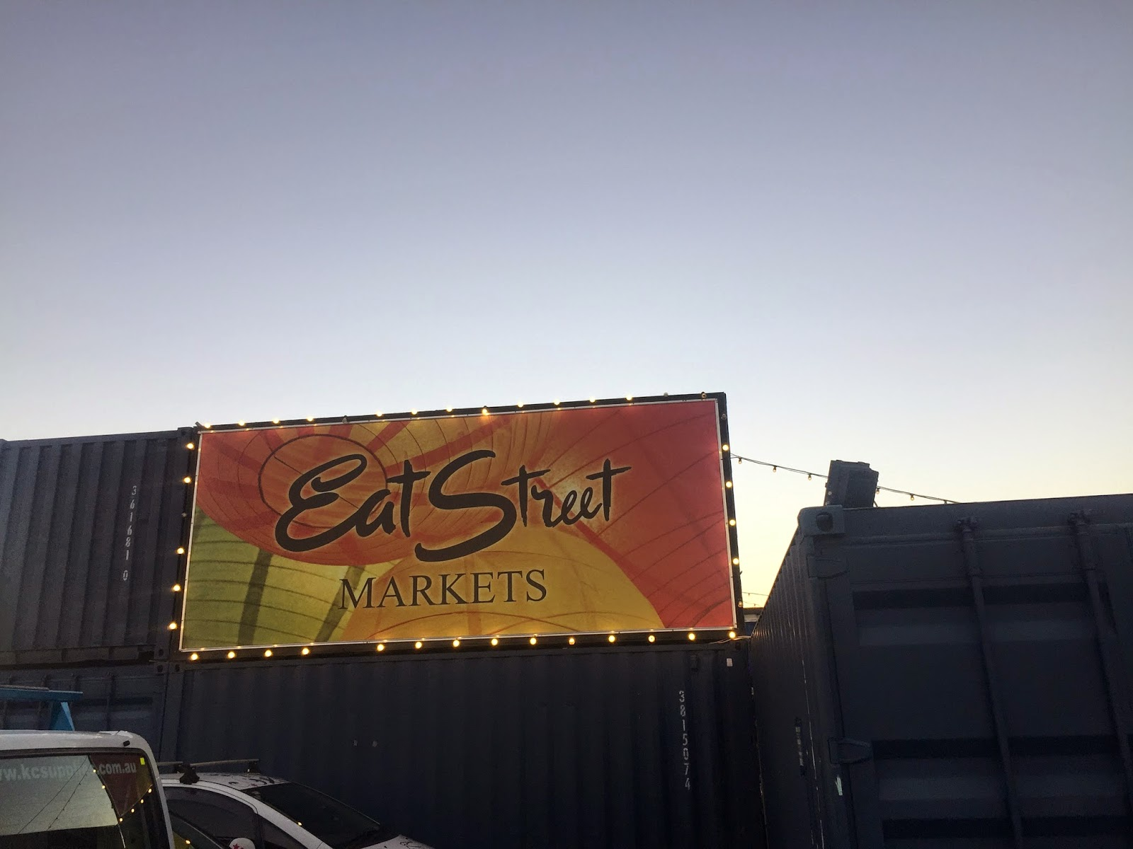 Cassie Cakes Goes to Eat Street
