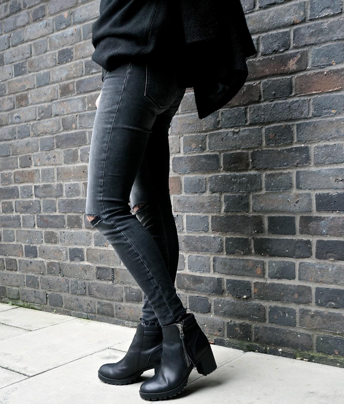 Les cours de blogueuses Modes Uniqlo x Carine Roitfeld lexie blush www.lexieblush.co.uk 1