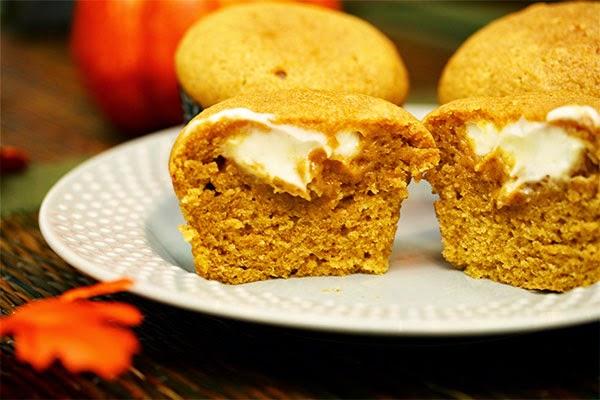 Pumpkin-Cheesecake-Muffins