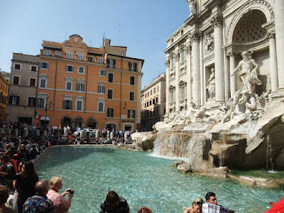 Trevi Fountain, rome italy, crowded, sunny, beautiful, popular